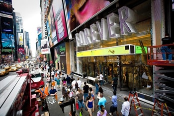 b67871d7b5d Forever 21 opens epic flagship - Fashion - Fashion News
